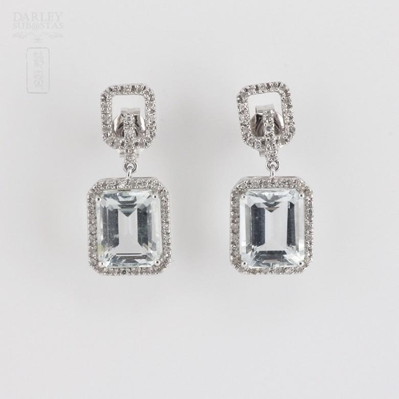 6.45克拉海蓝宝石配钻石18K白金耳环