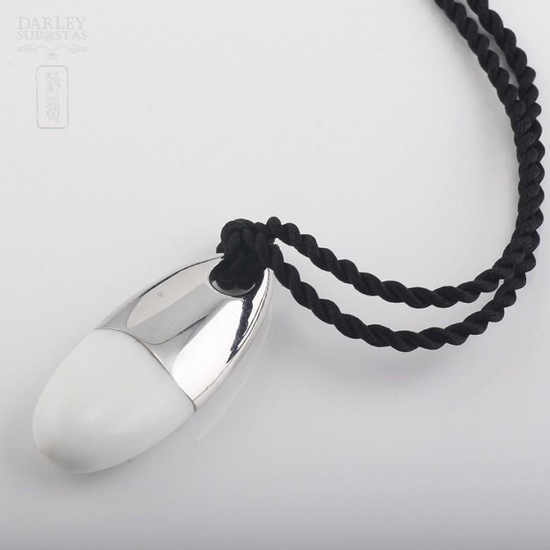 Porcelain pendant in sterling silver 925m / m