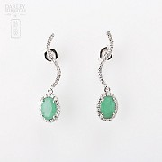 Earrings with 1.56 cts Emerald  and diamonds in 18k white gold - 3