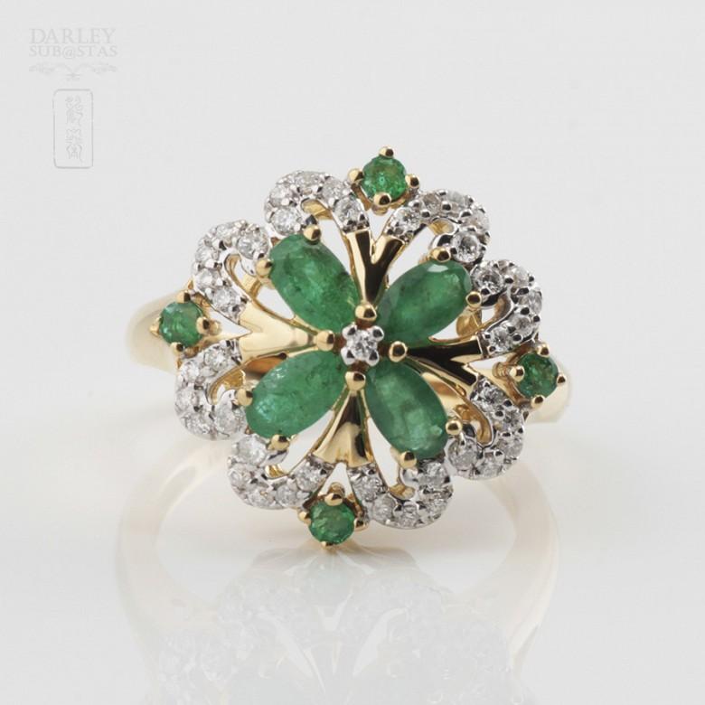 Fantástico anillo Esmeraldas y Diamantes