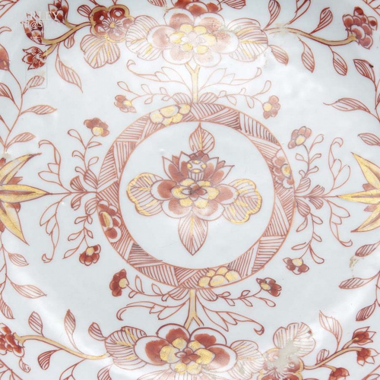 十八世纪1736-1795美描金花卉盘 - 1