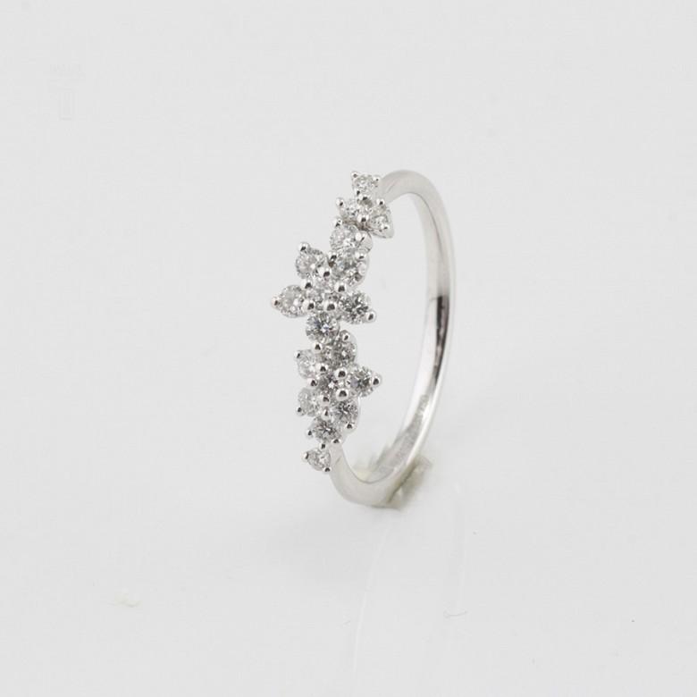 Fantástico anillo oro blanco y diamantes 0.51cts - 3