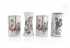 Lot of inkwells with enameled decoration, 19th c.
