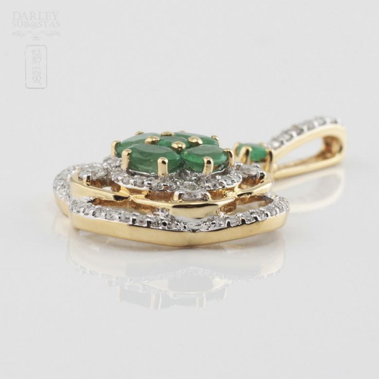 Precious emeralds and diamonds pendant - 1