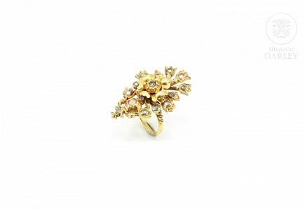 Anillo indonesio de latón con diamantes de Matara (circón)