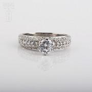 925银配锆石戒指