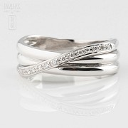 Precioso anillo oro blanco 18k y 0.14cts diamantes