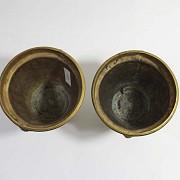 Pair of golden bronze pots. - 5