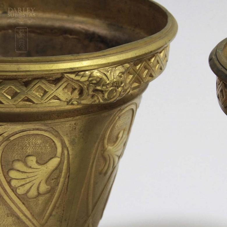 Pair of golden bronze pots. - 8
