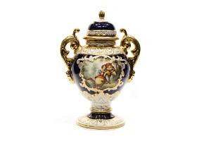 Porcelain vase with lid, Ramgi, Manises, 20th century.