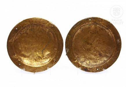 Pareja de platos de cobre, s.XX