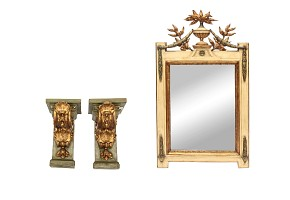 Pair of brackets and a polychrome wooden mirror, 20th century