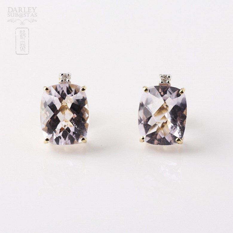 Pair of earrings in 18k yellow gold with amethyst and diamonds