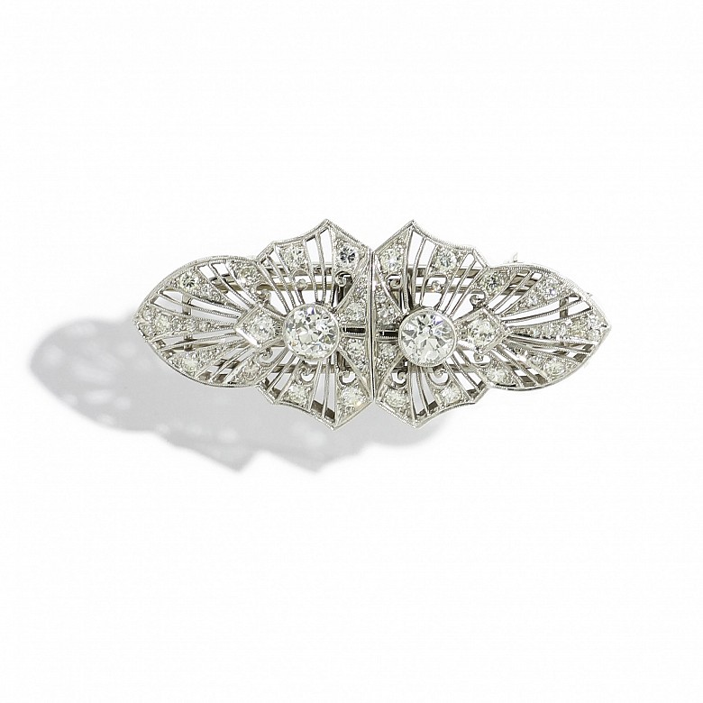 Broche placa de platino con diamantes