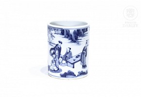 Porcelain brush container, blue and white, 20th century