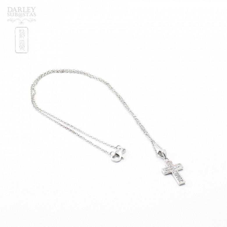 Collar cruz con circonitas en plata y rodio - 4