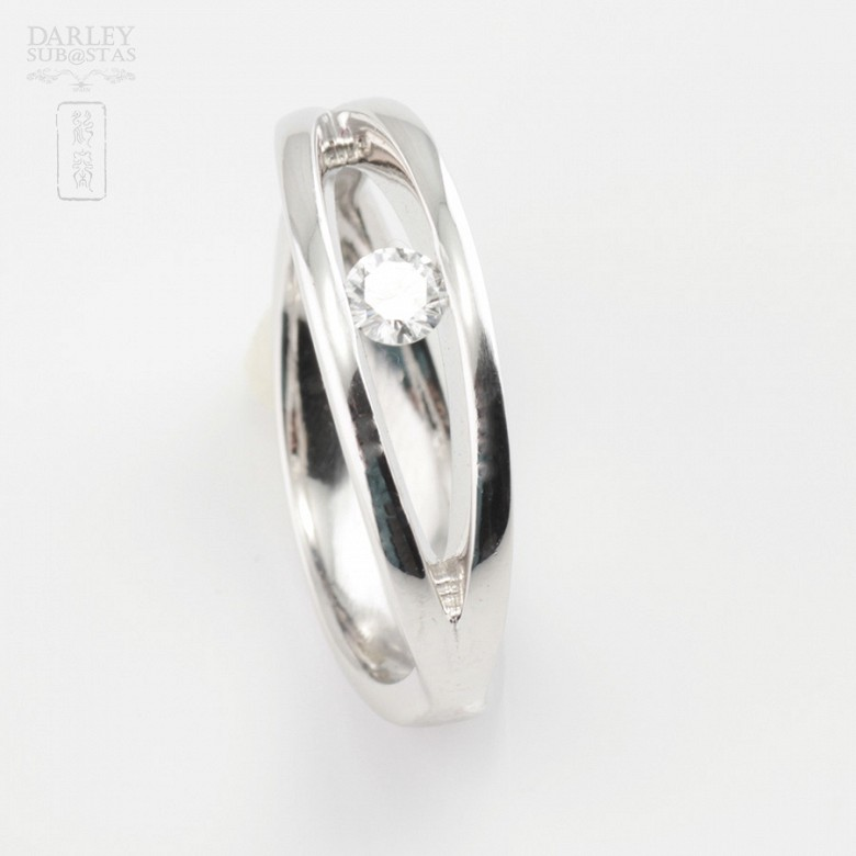 Solitaire ring-18k White Gold and Diamond 0.16cts