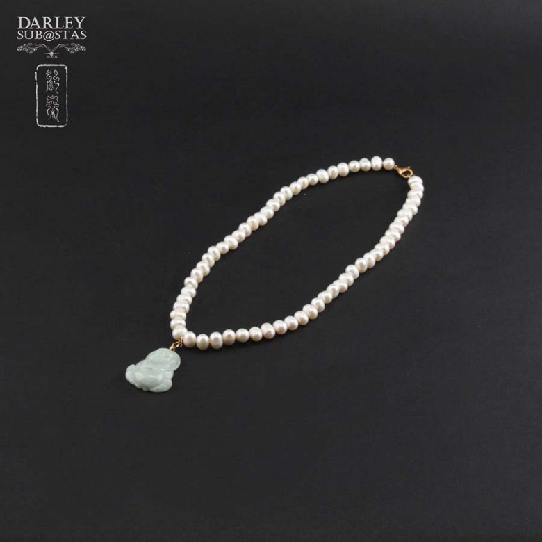 Choker pearl and jade Buddha