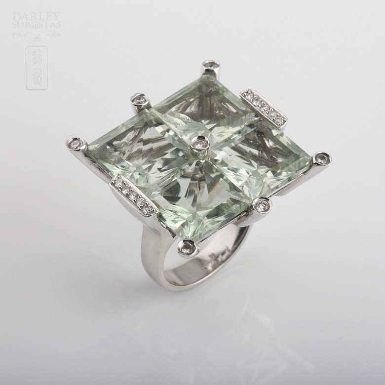 ring with 28.17cts amethyst and diamonds in white gold