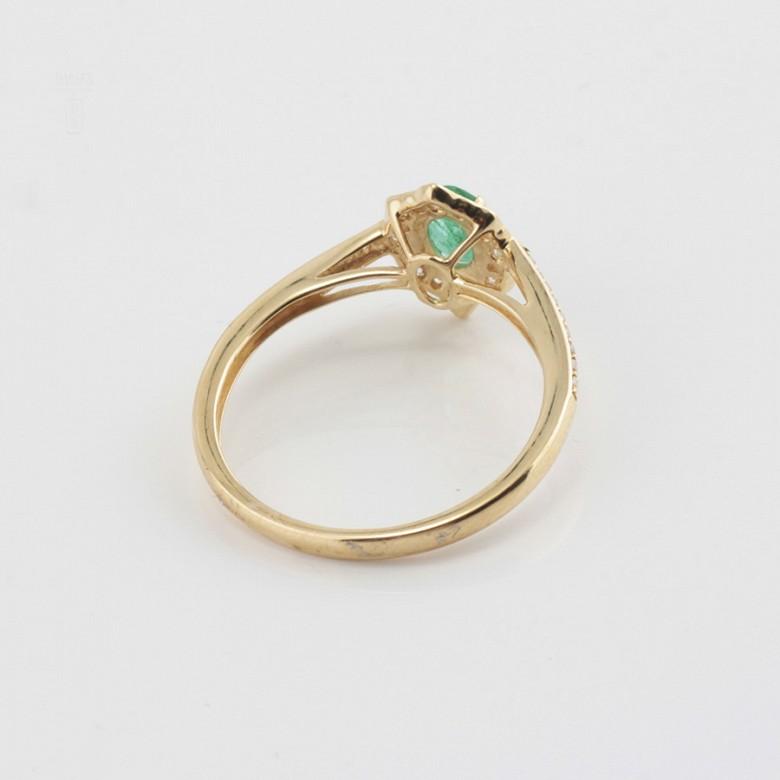 Precioso anillo oro 18k, brillantes y esmeralda - 2