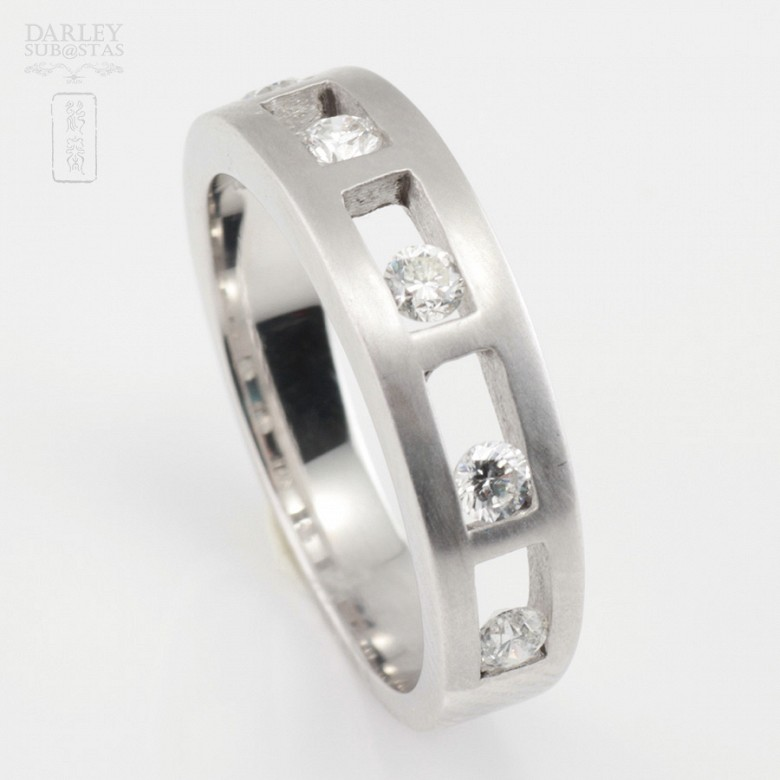 Original ring 18k white gold and diamonds 0.35cts