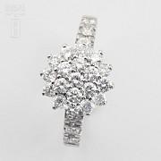 Fantástico anillo en oro blanco 18k y 1.18cts diamantes