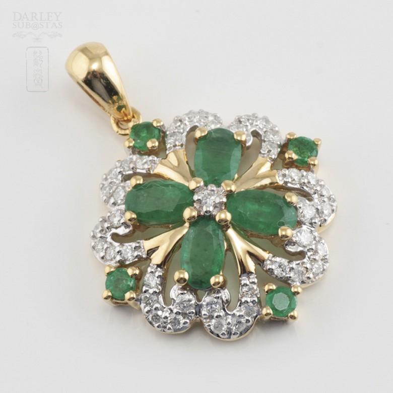 Fantástico colgante esmeraldas y diamantes