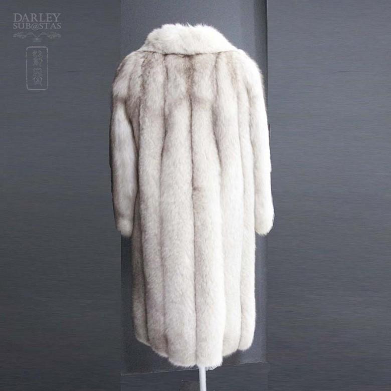 Long white fox fur coat. - 3