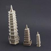 Tres pagodas de cerámica - 1