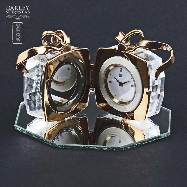 Caja de Regalo con Reloj de Swarovski