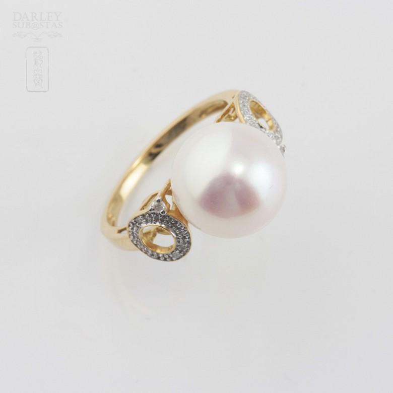18K白金钻石白珍珠戒指