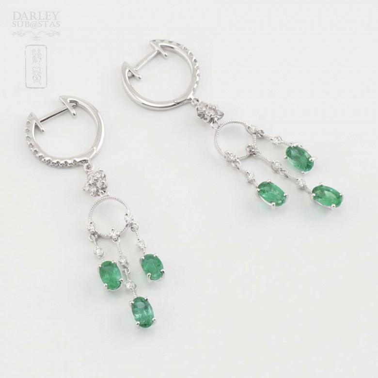 18K白金配1.46克拉祖母绿镶0.52克拉钻石耳环 - 4