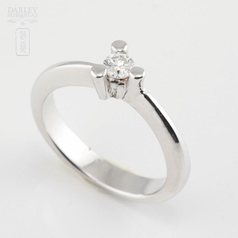 Solitario diamante 0.16cts en oro blanco 18k