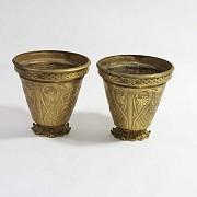 Pair of golden bronze pots. - 1
