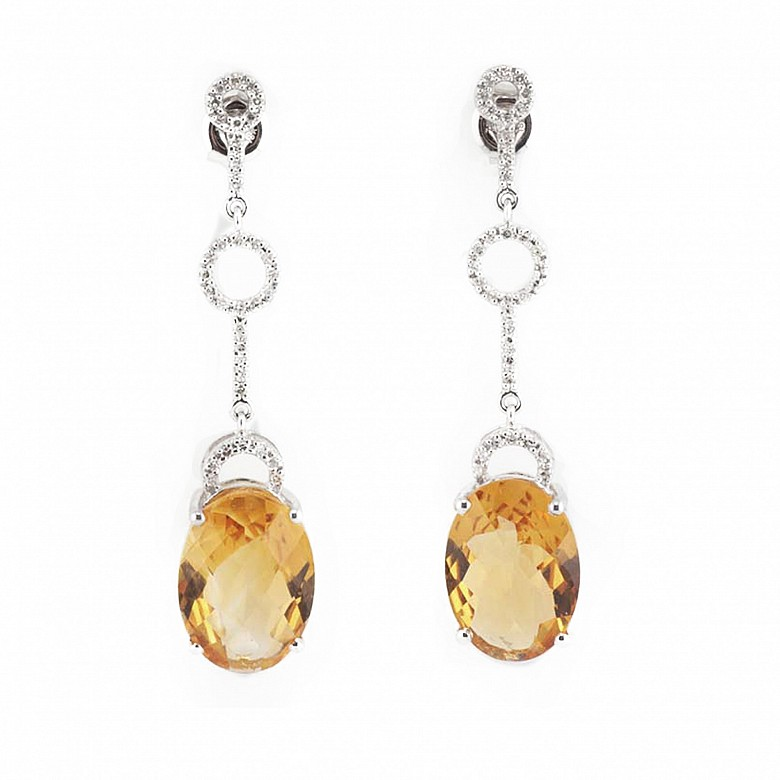 Earrings in 18k white gold with citrines and diamonds.