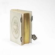 Ivory Missal, meds.s.XIX. - 9