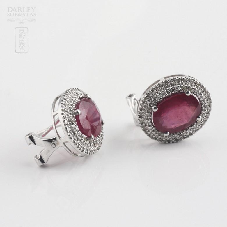 18k白金镶钻石配6.28克拉红宝石耳环 - 1