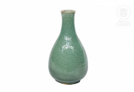 Jarrón vidriado, fondo celadón, Dinastía Qing, s.XIX