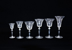 Baccarat glass cup set