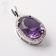 Pendant in 18k white gold with amethyst and diamonds 5.20cts.