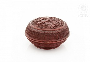 Caja en laca de cinabrio, China, s.XIX