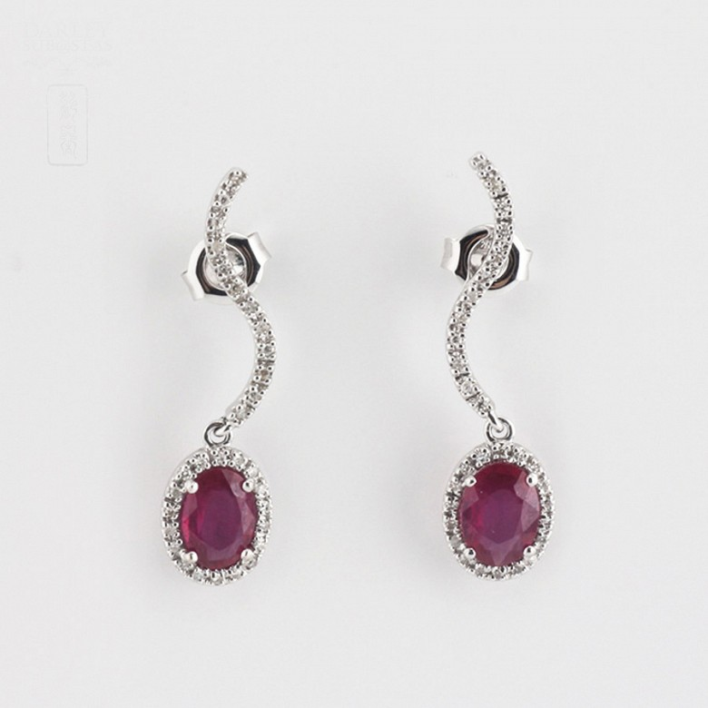 2.18克拉天然红宝石配钻石18K白金耳环