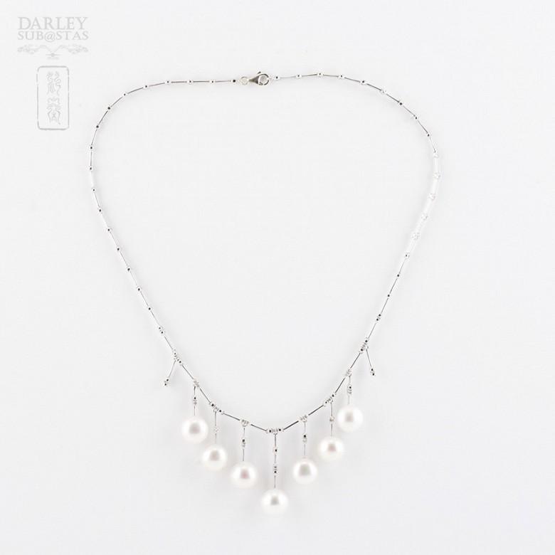 Collar con perlas blancas y diamantes en oro blanco de 18k - 5