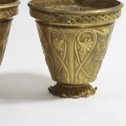 Pair of golden bronze pots. - 3