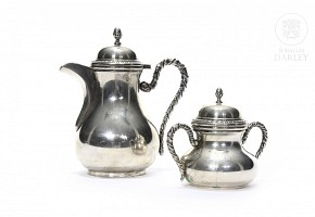 Sugar bowl and milk jug of sterling 800 silver punched
