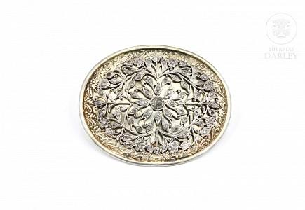 Hebilla de plata con diamantes de Matara (circón), Indochina, pps.s.XX