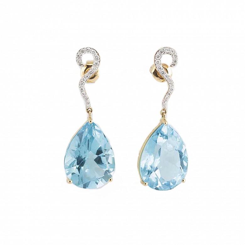 18K黄金镶钻石配 36.90克拉蓝托帕石耳环戒指