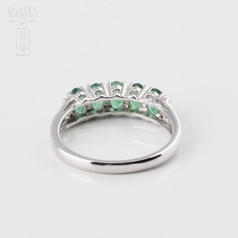 18k白金镶钻石配祖母绿戒指 - 2