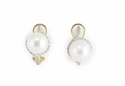 Pendientes en oro amarillo de 18k con perlas y diamantes.