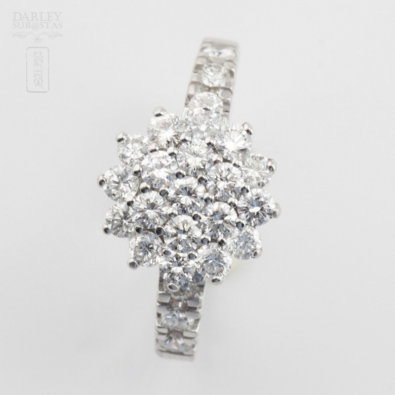 Fantastic ring in 18k white gold and diamonds 1.18cts